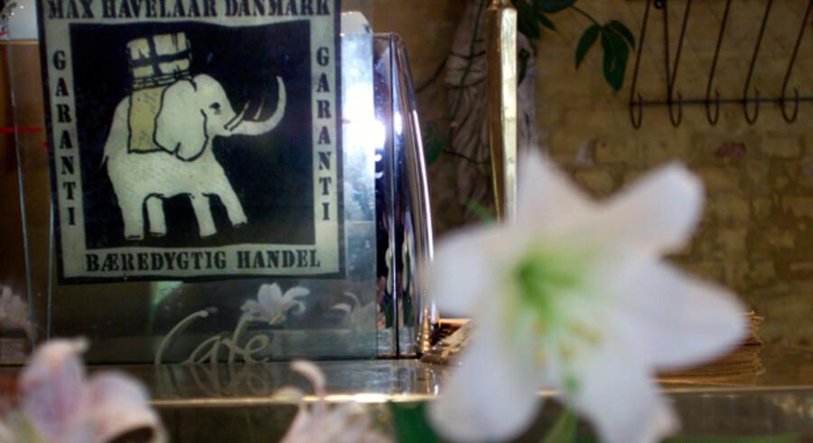 Kend kaffen og bananerne på den klodsede elefant - men ikke så meget længere. Det er slut med Max Havelaar i Danmark, nu skal det hedde Fairtrade-mærket Danmark.