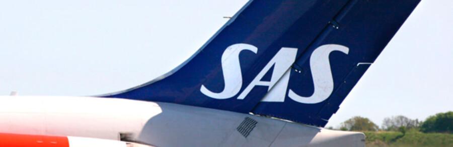 SAS har betalt næsten to  milliarder kroner i flyleje til selskaber, registreret i skatte-paradiset Cayman Islands.  Det får nu flere politikere  til at hoppe i stolene.