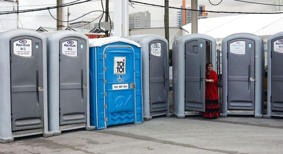 Den allestedsnærværende leverandør af mobile toiletter Godik har haft et stærkt 2015. Det fortsætter i 2016. (AFP PHOTO / PAU BARRENA)
