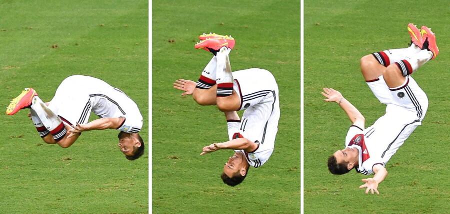 Miroslav Klose kom med sit mål til 2-2 op på 15 VM-mål. Det er en rekord, han nu deler med Brasiliens Ronaldo.