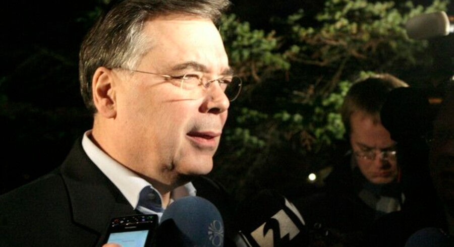 Den islandske statsminister, Geir Haarde, siger, at han senere i dag vil aflevere sin afskedsbegæring til præsidenten.