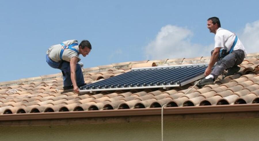 Et solvarmeanlæg kan bringe energiforbruget i sommerhuse ned.