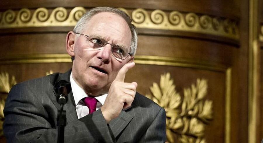 Den tyske finansminister, Wolfgang Schäuble, venter overskud på det tyske statsbudget i 2015 - for første gang siden 1969. Samtidig ønsker Tyskland en strammere kontrol af medlemslandenes økonomier.