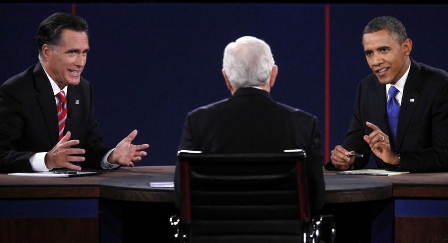 Mitt Romney og Barack Obama er naturligt nok ikke enige om, hvordan man skal fortolke tallene i dagens jobrapport.