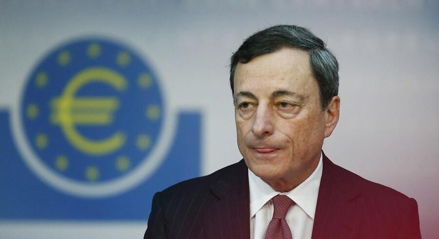 Mario Draghipeger på, at ECB har en hel række af muligheder for at sætte mere skub i europæisk økonomi, hvis det skulle blive nødvendigt, og hvis inflationen bliver ved at holde sig langt under bankens mål på to procent.