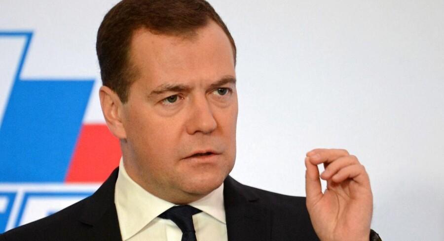 Den russiske premierminister, Dmitry Medvedev, tordnede i dag mod Cypern og EU.