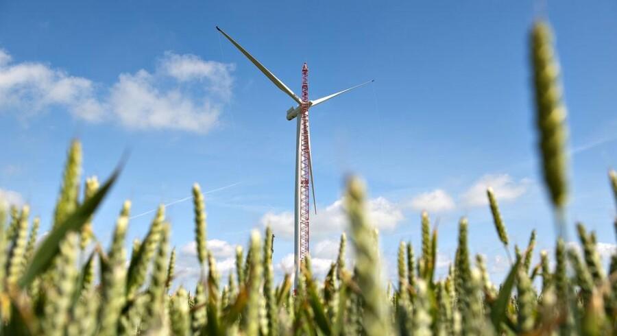 I de seneste år har Siemens Wind Power i al hemmelighed udviklet den gearløse mølle på tre MW. I en hal i udviklingsafdelingen i hovedsædet har 20 ingeniører og andre udviklingsfolk siden 2005 arbejdet på prototypen på tre MW-møllen. Foto: Henning Bagger
