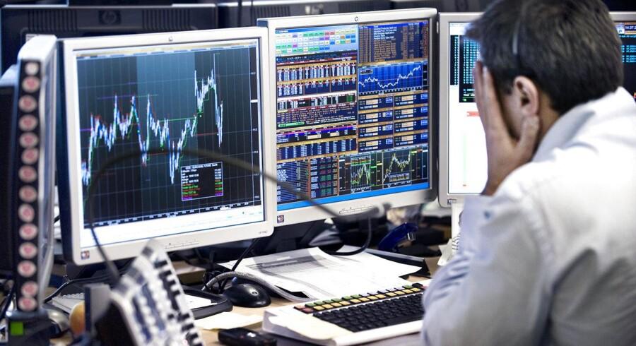 Selskabets samlede forventninger til 2012/13 er uændrede. Aktien var nede og snuse til kurs 204, men har siden rettet sig og ligger ved 11.30 tiden i 206 kr., et fald på 0,2 pct