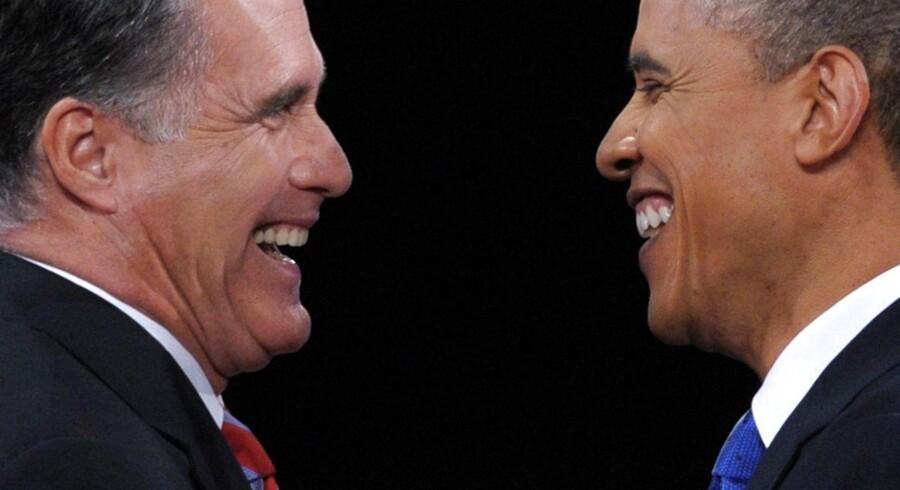 Hvem ler sidst? Romney og Obama udkæmper en meget lige valgkamp inden præsidentvalget på tirsdag. Overordentlig gode tal for jobskabelsen giver Obama medvind i slutspurten.