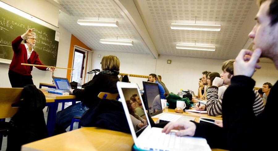 De fleste gymnasielærere ventes at stemme nej til den overenskomst, der er indgået med finansminister Bjarne Corydon.
