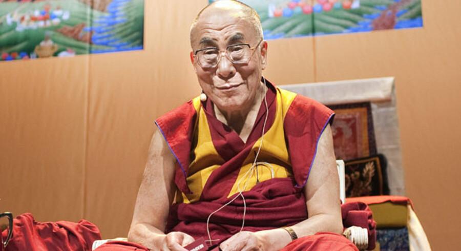 Tibets åndelige leder, Dalai Lama, gav i søndags buddhistiske belæringer ved et foredrag i Bella Center i København til danske erhvervsfolk.