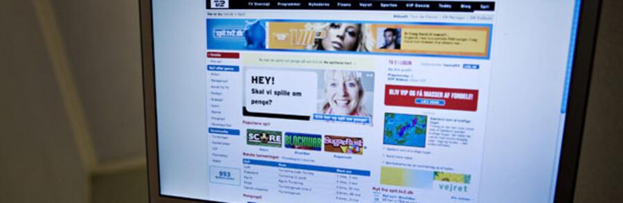Klar ved tasterne – og parat med kreditkortet. Spillet kan begynde på TV 2s hjemmeside.