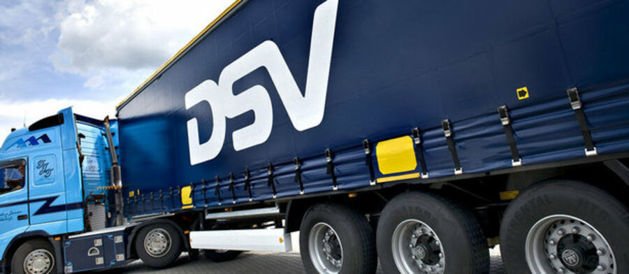 Den økonomiske krise tvinger transportkæmpen DSV til at nedjustere forventningerne til 2009 markant.