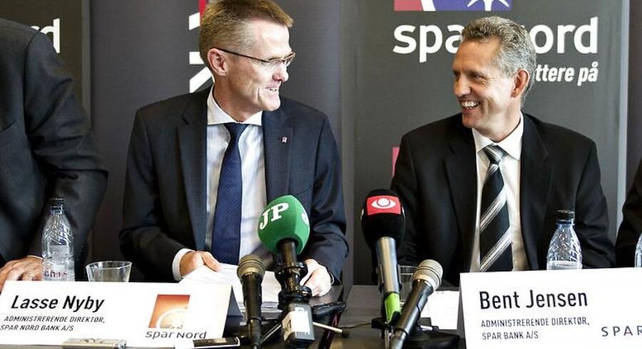Direktør Lasse Nyby, Spar Nord, og direktør Bent Jensen, SparBank, da fusionen blev præsenteret i september