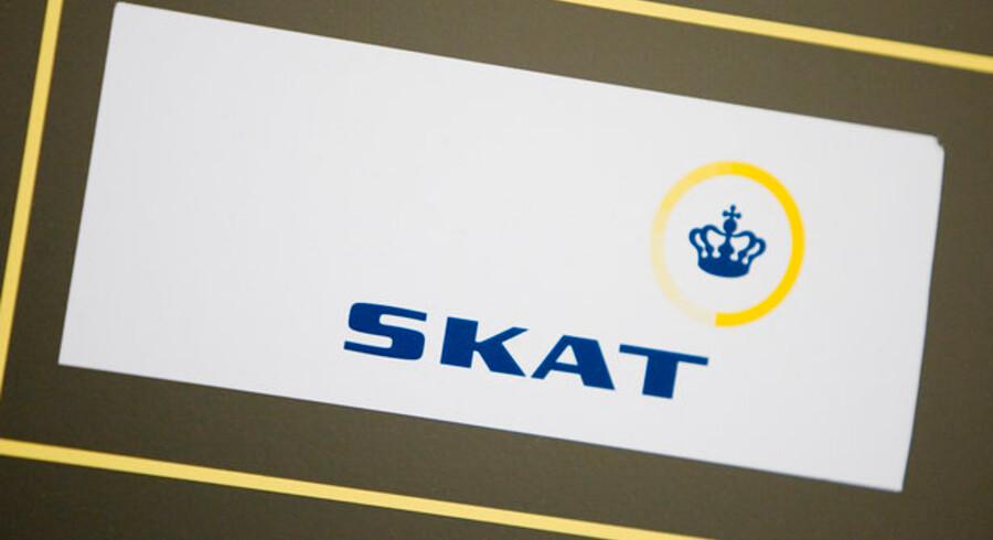 Kommunerne er utilfredse med, at Skat er for langsom til at opkræve penge hos borgerne.