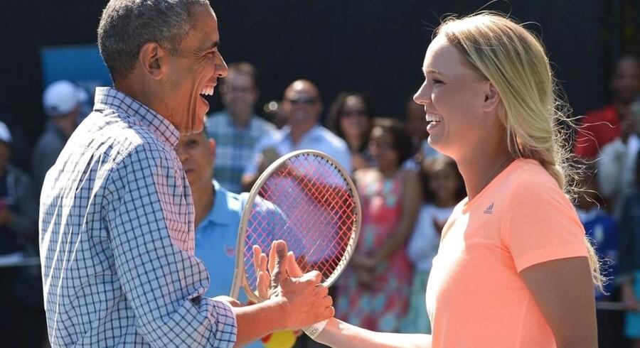 Den amerikanske præsident Barack Obama og Caroline wozniacki tog sig et slag tennis mandag.