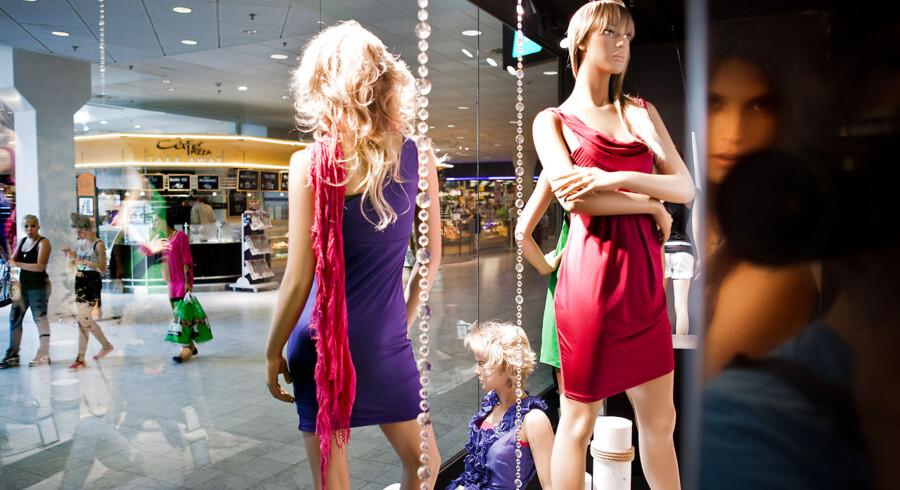 Shopping i stormagasinet Fisketorvet i København.