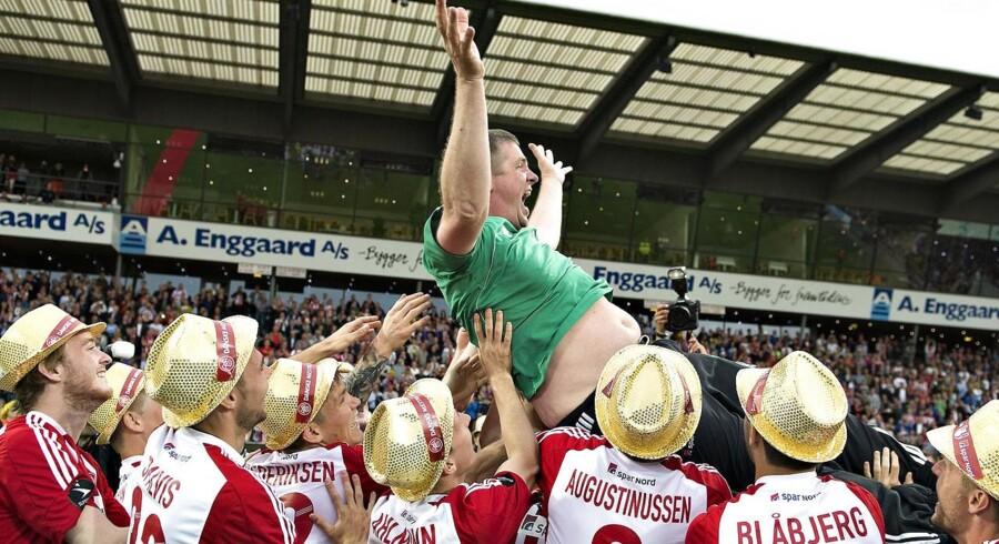 Spillerne og cheftræner Kent Nielsen jublede over guldmedaljerne i Superligaen - spørgsmålet er, om investorerne er lige så begejstrede for at sætte penge i fodboldaktien.