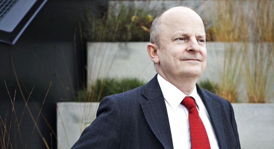 Lars Goldschmidt i Industriens Hus. Lars Goldschmidt stiller op for socialdemokraterne, hvilket er atypisk for en, der repræsenterer arbejdsgiverne.