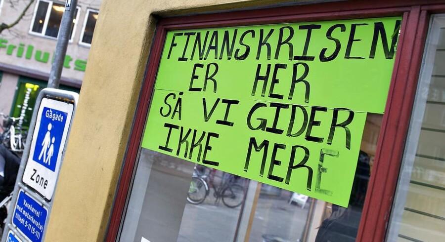 Det skal foreløbig nok gå i en by som Aalborg her, når butikker som denne bukker under. Anderledes dystert ser det ud for mindre landsbyer.