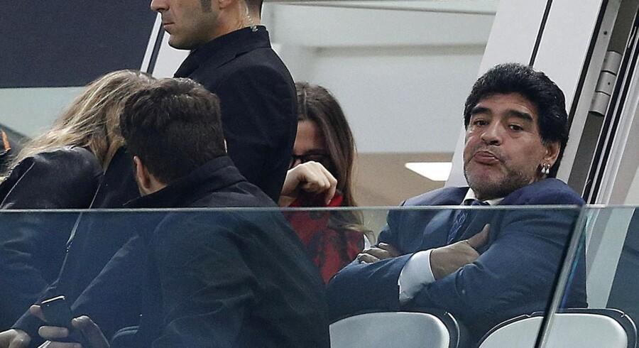 Diego Maradona kritiserer valget af Lionel Messi som turneringens bedste spiller.