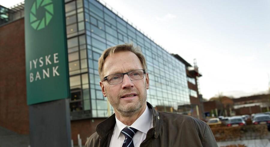 »Vi har udsigt til at blive SIFI-pengeinstitut, og i det lys har det ikke længere værdi for os med en Moody's-rating. Derfor opsiger vi efter 21 år samarbejdet,« siger ordførende direktør, Anders Dam til Jyllands-Posten.