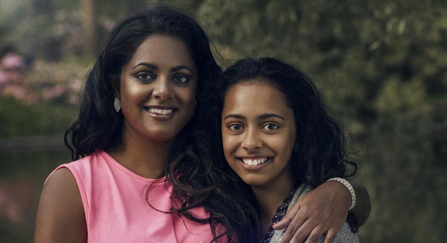 Maria Klingsholm blev i 1974 bortadopteret til Danmark. Sidste sommer rejste hun, manden og datteren (billedet) til Bangalore for at søge efter Marias biologiske familie.
