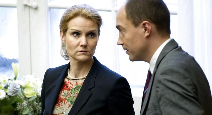 Statsminister og S-formand Helle Thorning med politisk ordfører Magnus Heunicke.