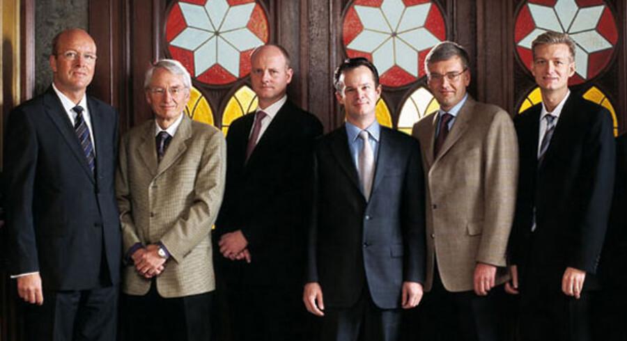 DS Nordens ledergruppe, som den så ud i 2004. Fra venstre til højre: Lars Lundegaard, Kjeld Rasmussen, Carsten Mortensen, Jacob Meldgaard, Jens Fehrn-Christensen, og Lars Bagge Christensen.
