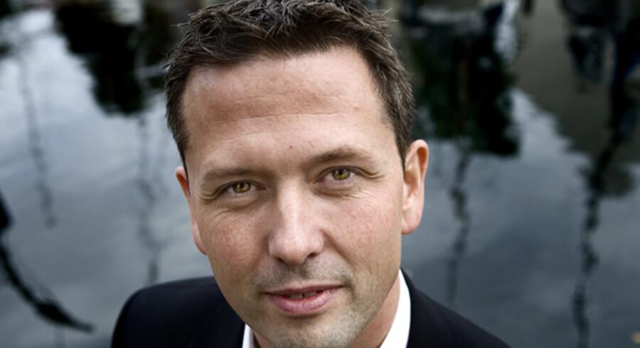 Cheføkonom Steen Bocian, Danske Bank, mener, at regeringen skal vente med indgreb, men gøre dem klar.