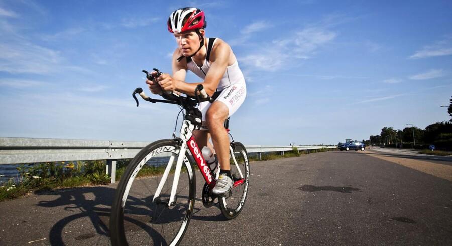 Søndag slippes over 2000 triatleter løs på veje i København og omegn, og det kommer til at påvirke trafikken i store dele af Hovedstadsområdet.