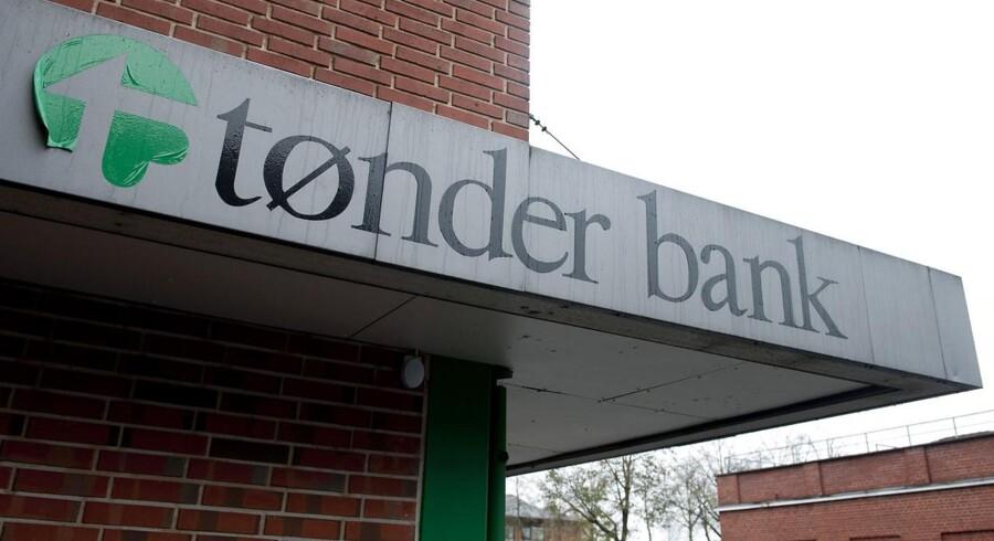 Sydbank vil dække tab på 30 millioner kroner for kapitalbeviser købt i september i den krakkede Tønder Bank.