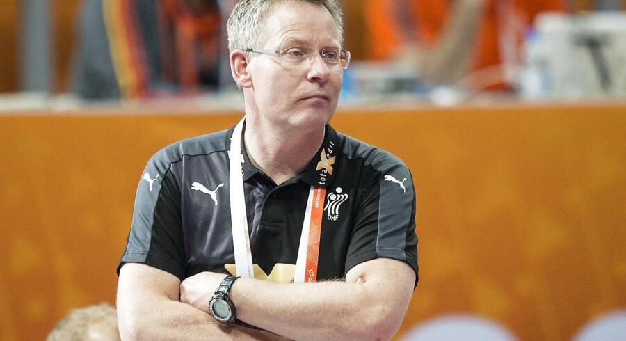 Gudmundur Gudmundsson hastede videre fra søndagens pressemøde for at se video af Island.