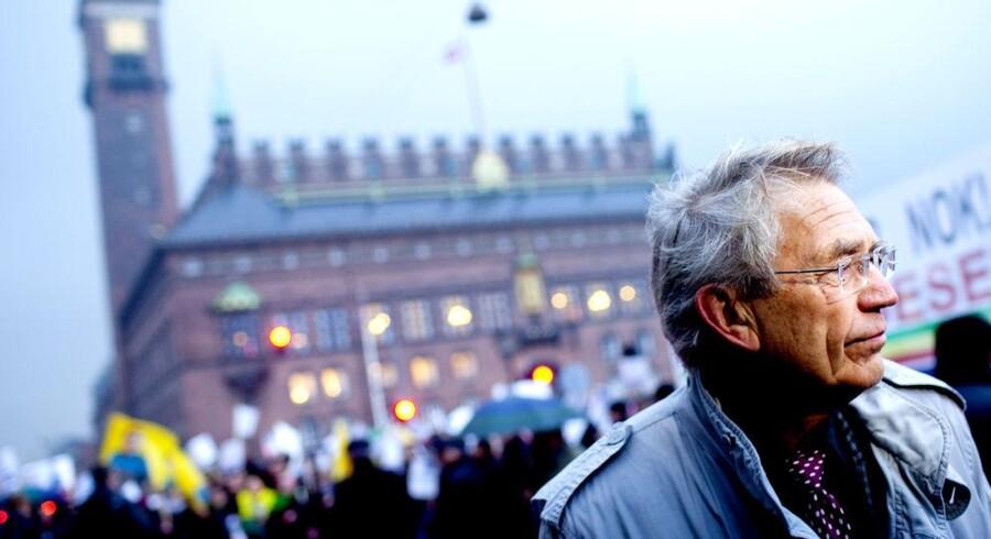 ROJ TV's forsvarer Bjørn Elmquist foran byretten i København i forbindelse med et retsmøde i sagen mod ROJ TV i efteråret 2010.