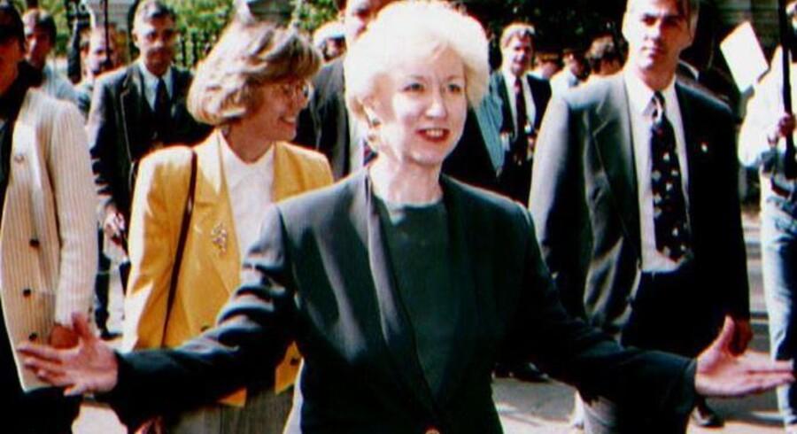Her forlader den daværende canadiske premierminister Kim Campbell parlamentet efter at have udskrevet det valg i 1993, som nærmest udslettede det konservative parti. Arkivfoto: Dave Chan, AFP/Scanpix