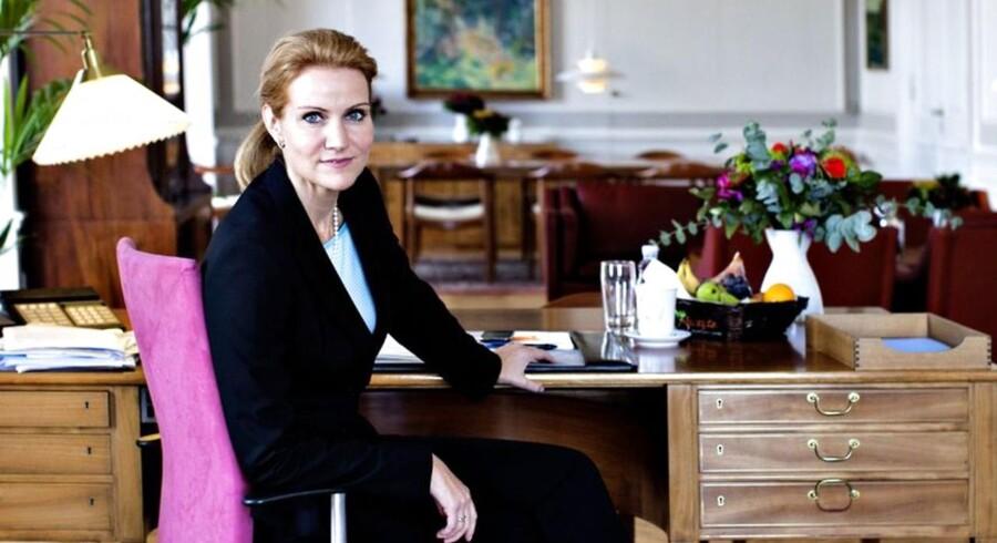 Den nye statsminister Helle Thorning-Smith i hendes kontor i statsministeriet