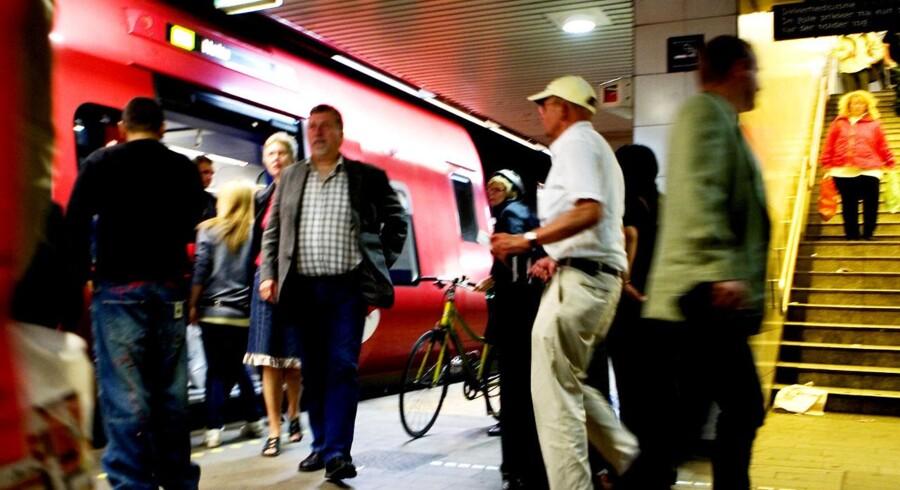 S-SF regner med at 35 procent færre biler vil passere betalingsringen. I stedet skal folk med offentlig transport, så der bliver sikkert ikke mindre travlt her på Nørreport Station.