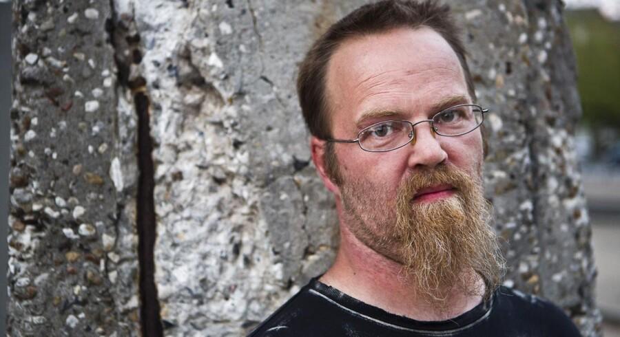 Anders Lund Madsen har ansat »Dovne Robert« - alias Robert Nielsen.
