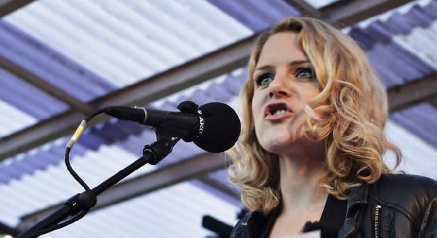 Johanne Schmidt-Nielsen holder sankthanstale lørdag d. 23 juni 2012 i Enghaveparken på Vesterbro.