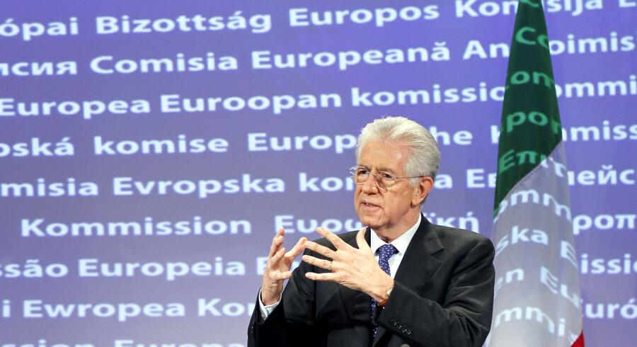 Mario Monti står som ny premierminister i spidsen for en teknokratregering i Rom og den mand, der skal styre landet væk fra en afgrund af gæld