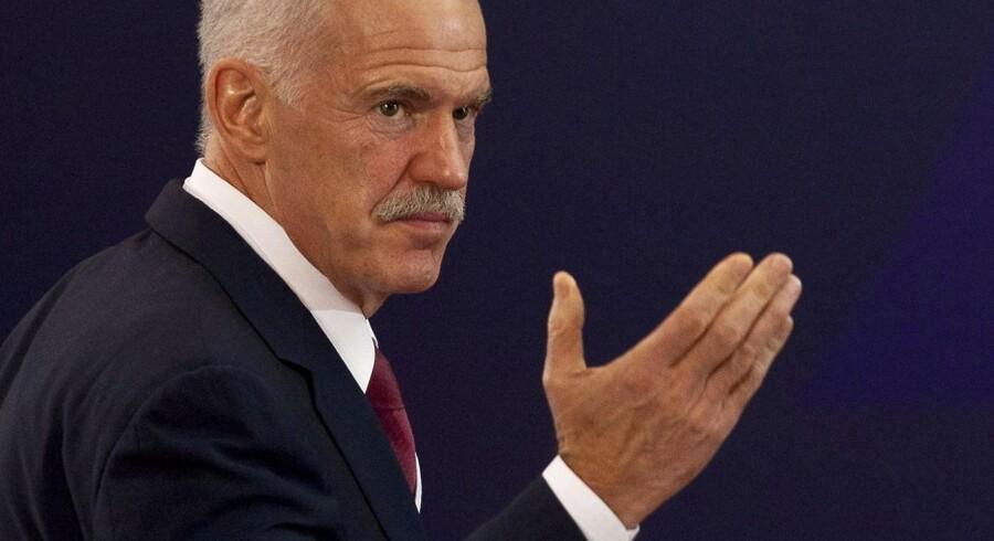 Grækenlands premierminister George Papandreou er måske, måske ikke ved at træde tilbage.