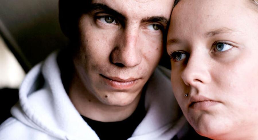 Maria Andersen og Jimmi Knudsen mistede deres lille søn Christian på kun 14 mdr. fordi han havde slugt et batteri.