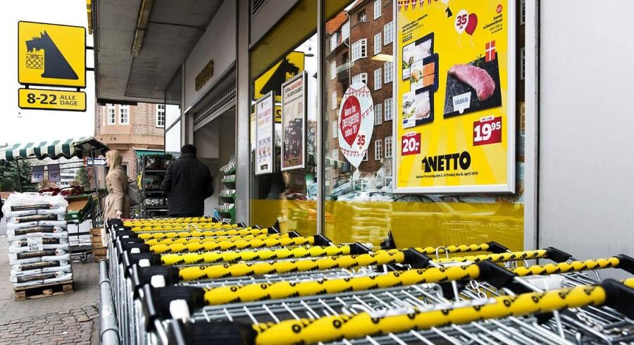 I England går der rygter om, at supermarkedskoncernen Tesco vil lancere en discountkæde, der skal konkurrere med Aldi og Lidl, som fortsat truer de fire store supermarkedskæder i landet. Analytikere advarer om, at det kan blive så »katastrofalt«, som da Netto forsøgte at sætte sig på markedet.