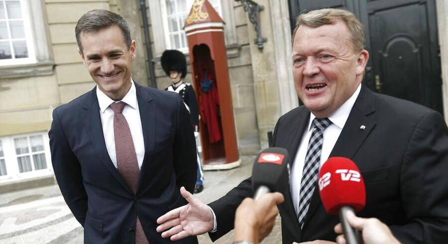 Rasmus Jarlov har været en markant skikkelse for de Konservative gennem flere år, hvor han blandt andet har markeret sig som stor fortaler for indkøb af de nye kampfly. Nu skal han være erhvervsminister. Her bliver han præsenteret på Amalienborg.
