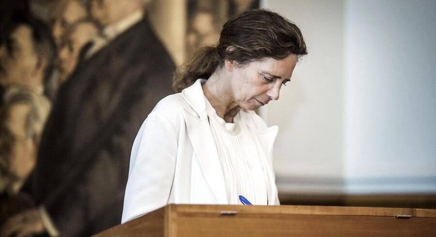 LA's sundhedsordfører, May-Britt Kattrup, henviser til en undersøgelse fra Forum for Yngre Almenmedicinere, som viser, at under én procent af de kommende læger ønsker at arbejde i en regionsklinik.
