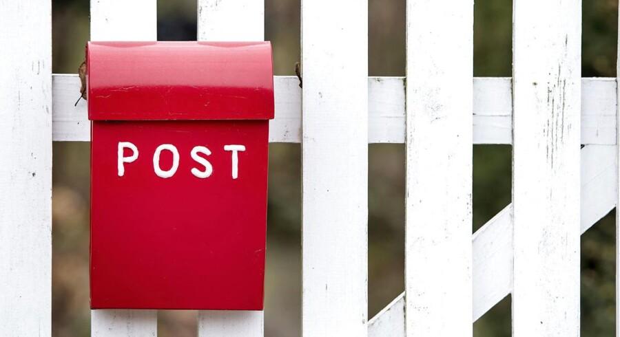 »Men det er vel for pokker min postkasse – ikke? JEG har købt og betalt den og fået den sat op ved vejen, fordi jeg skulle.«