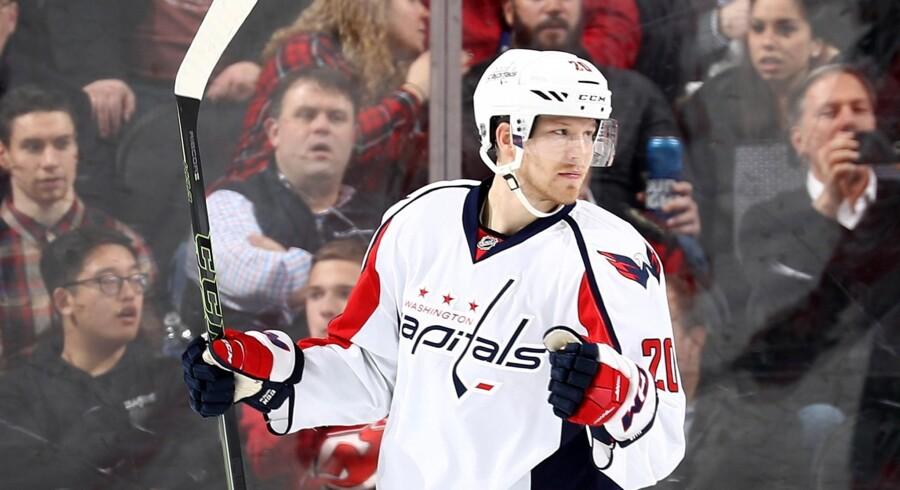 Washington Capitals-spilleren Lars Eller (til højre) kan juble over at have vundet grundspillet i NHL. Arkivfoto. Scanpix/Elsa
