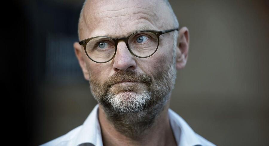 Den tidligere chefredaktør Henrik Qvortrup får et år og tre måneders fængsel.