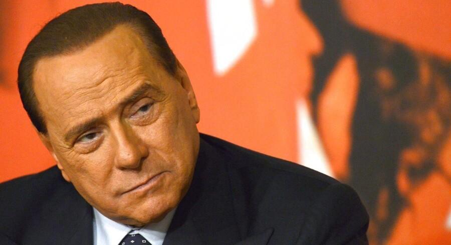 Italiens tidligere regeringschef, Silvio Berlusconi, bliver efterforsket for forbindelse til tre bombeangreb, som fandt sted i 1993. Arkivfoto.