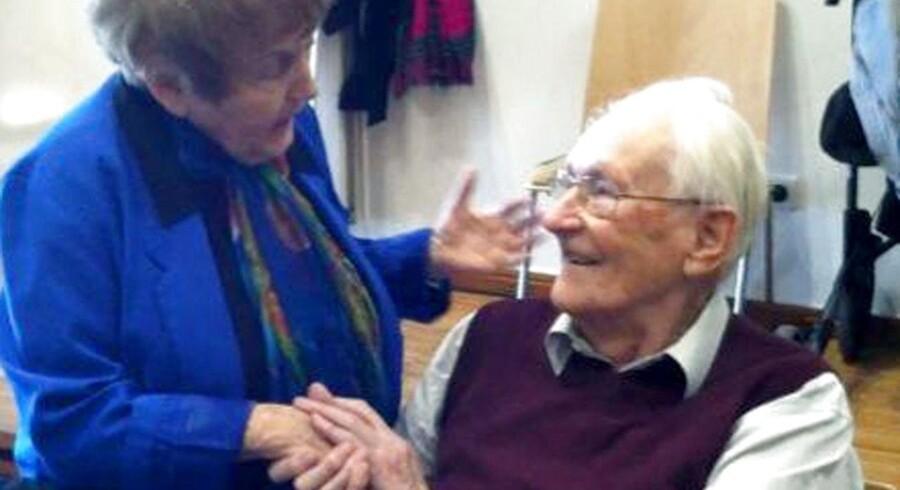 I 2015 vakte holocaust-overleveren Eva Kor opsigt, da hun kindkyssede og omfavnede 'bogholderen fra Auschwitz'. Nu protesterer Kor mod fængselsdom til den tidligere SS-officer.